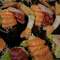 Sashimi e carpaccio (filetto di pesce crudo)